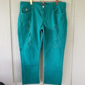Beautiful distressed bongo teal cropped jeans